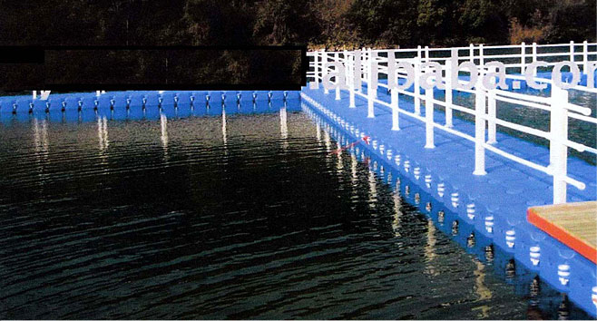 LMDPE Pontoon Bridge